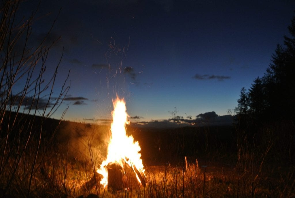 Camp fire off grid sustainable eco glampsite and glamping